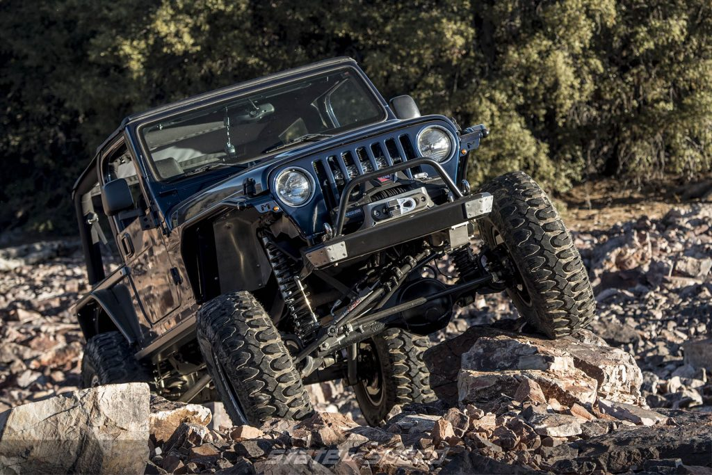 Jeep LJ with linked suspension