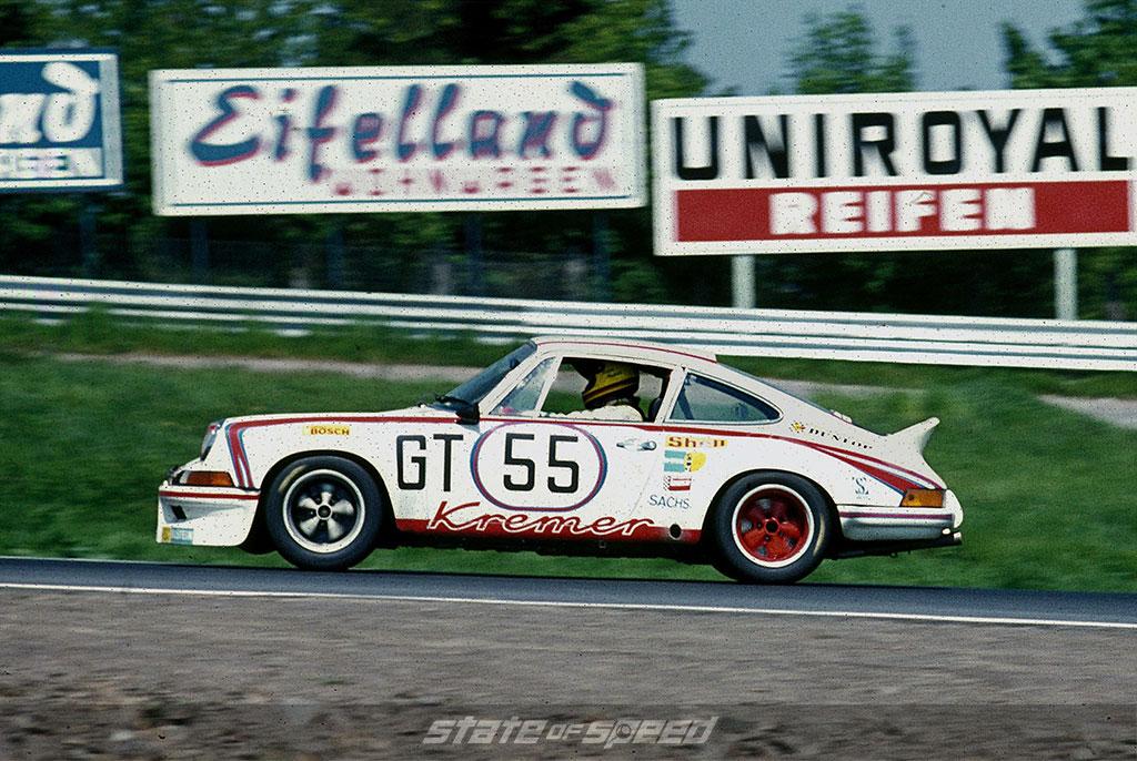 Racing Porsche 911